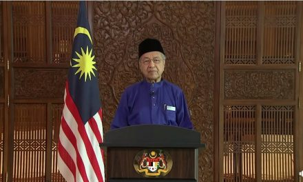 Dr M tells Malaysians to be grateful to foreign workers in Raya message