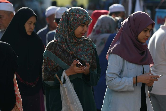 Option for women Muslim staff in private sector to choose whether to wear headscarf lauded