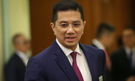 Azmin Ali: Govt allows approved economic sectors to resume full operations tomorrow