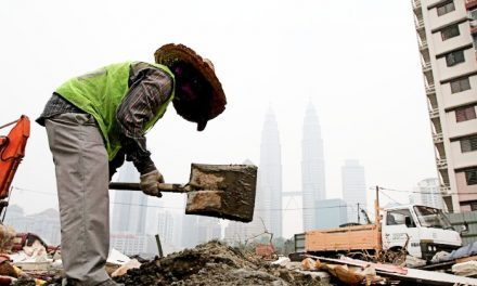 Most Construction Sites In Malaysia Failed To Follow SOP During CMCO