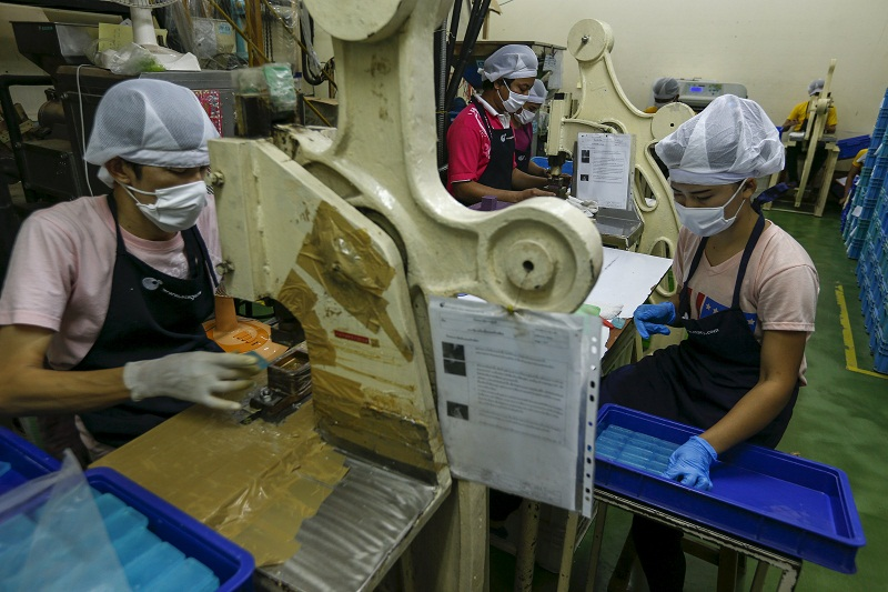 HR Ministry: Over 50,000 lost their job this year so far, manufacturing sector tops list